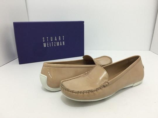 Stuart Weitzman Women's Loafers Size 7.5 Nude Patent Leather Flats Image 1