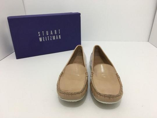 Stuart Weitzman Women's Loafers Size 7.5 Nude Patent Leather Flats Image 5