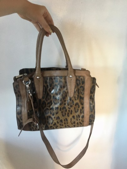 Clarks Leather Cheetah Tote in Leopard Image 2