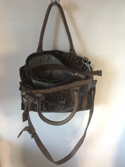 Clarks Leather Cheetah Tote in Leopard Image 3