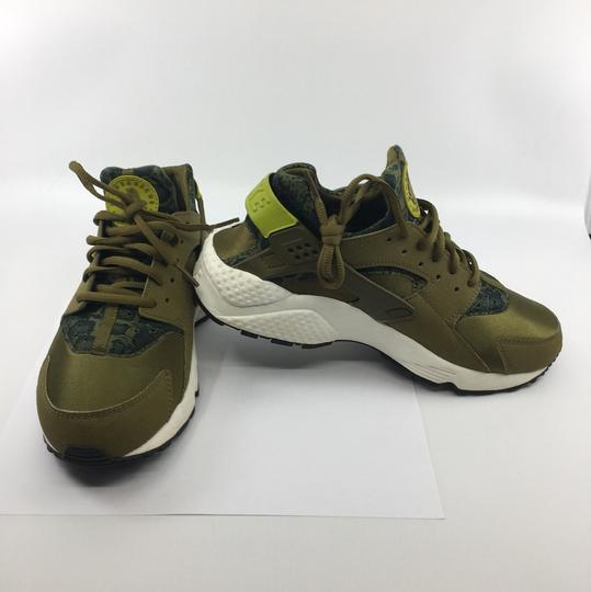 Nike Olive green and black Athletic Image 1