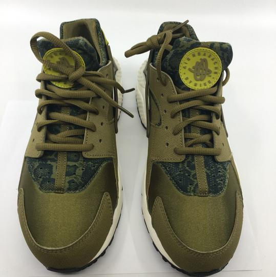 Nike Olive green and black Athletic Image 2