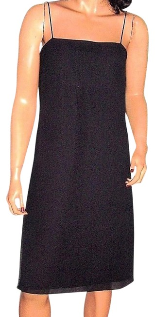 Preload https://img-static.tradesy.com/item/23733662/ann-taylor-black-little-mid-length-cocktail-dress-size-4-s-0-1-650-650.jpg