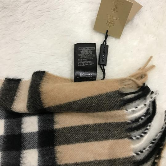 Burberry giant Check tassels scarf Image 7
