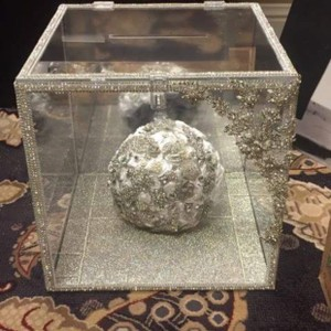 Swarovski Lucite Envelope Holder / Bouquet Display / Piece Other