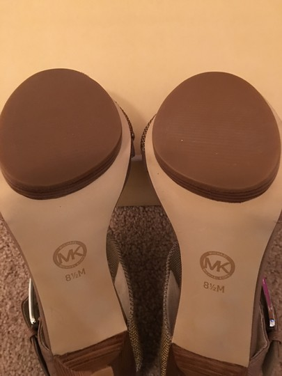 MICHAEL Michael Kors Taupe/Gold Sandals Image 4