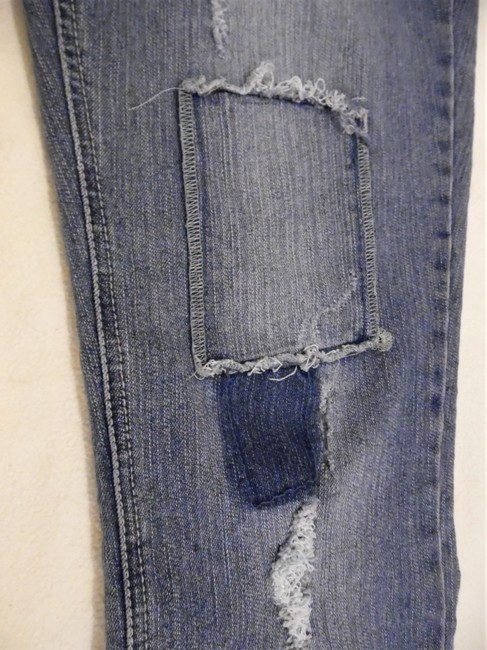 L.E.I. Patches Distressed Worn Skinny Jeans-Distressed Image 4