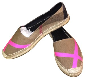 Burberry Canvas with hot pink Flats