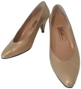 Amalfi All Leather Made In Italy Metallic Beige Soft new gold Pumps
