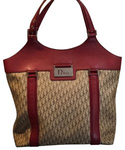 Dior Tote in Beige, Bordeaux