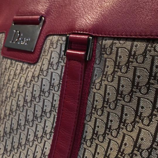 Dior Tote in Beige, Bordeaux Image 9