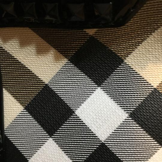 Burberry Tote in Check Coated Image 7