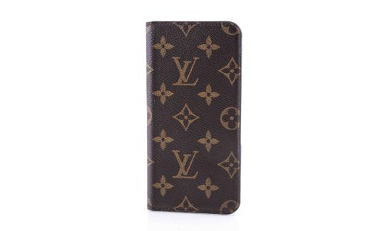 Preload https://img-static.tradesy.com/item/23740596/louis-vuitton-monogram-canvas-iphone-plus-phone-case-tech-accessory-0-0-540-540.jpg