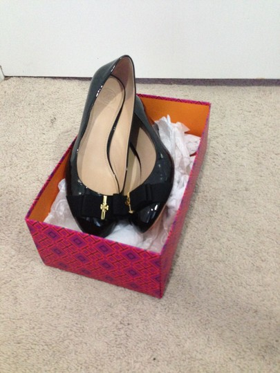 Tory Burch Trudy Leather Bow Flat Black with Gold Hardware Wedges Image 1