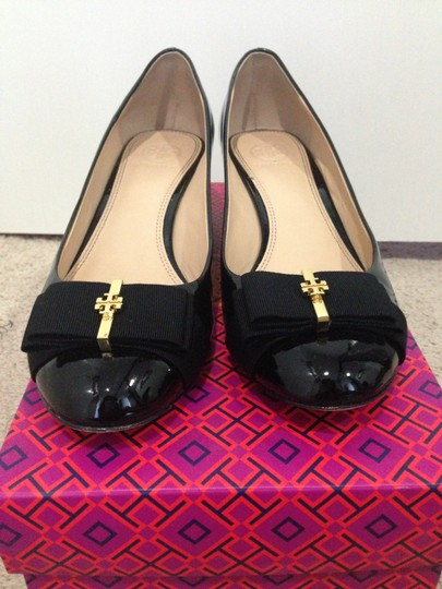 Tory Burch Trudy Leather Bow Flat Black with Gold Hardware Wedges Image 2