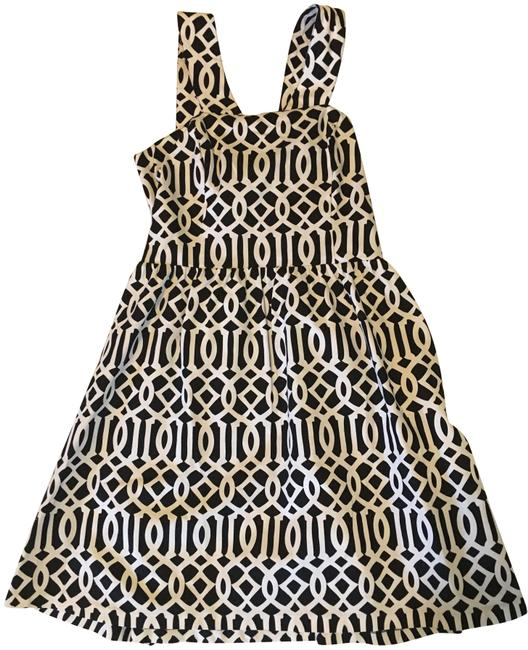 Preload https://img-static.tradesy.com/item/23746284/mudpie-black-and-white-charlotte-short-casual-dress-size-12-l-0-1-650-650.jpg
