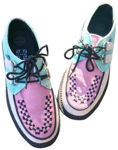 T.U.K Color: pink/ mint/ cream Flats