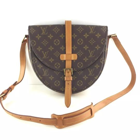 Preload https://img-static.tradesy.com/item/23746714/louis-vuitton-chantilly-gm-monogram-canvas-cross-body-bag-0-17-540-540.jpg