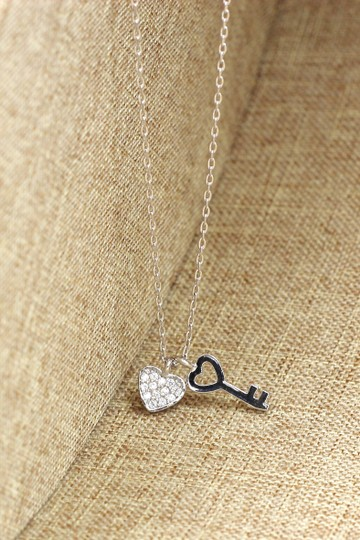 Ocean Fashion Sterling silver Exquisite and simple love crystal necklace