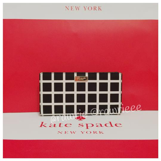 Preload https://img-static.tradesy.com/item/23747084/kate-spade-black-white-stacy-laurel-way-check-bifold-wallet-0-0-540-540.jpg