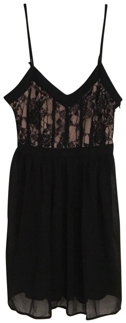 Preload https://img-static.tradesy.com/item/23747204/forever-21-black-lace-short-night-out-dress-size-8-m-0-2-650-650.jpg