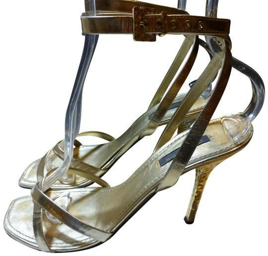 Preload https://img-static.tradesy.com/item/23747581/louis-vuitton-gold-patent-leather-nina-italy-formal-shoes-size-eu-38-approx-us-8-regular-m-b-0-1-540-540.jpg