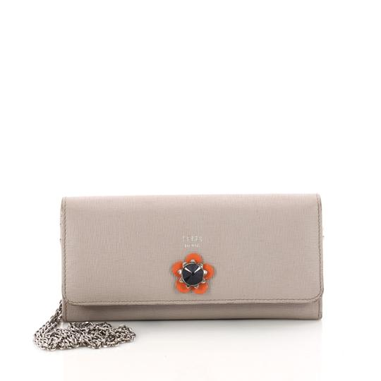 Preload https://item1.tradesy.com/images/fendi-light-taupe-continental-on-chain-flower-studded-leather-wallet-23748475-0-0.jpg?width=440&height=440