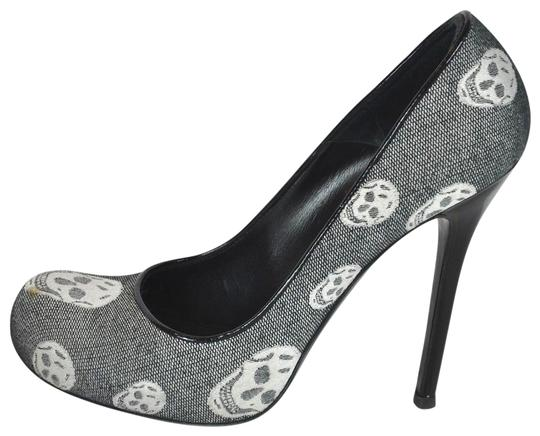 Preload https://img-static.tradesy.com/item/23750014/alexander-mcqueen-multi-color-skull-print-gray-and-white-satin-pumps-size-eu-39-approx-us-9-regular-0-1-540-540.jpg
