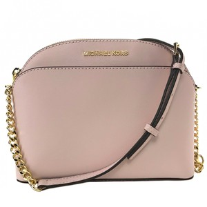 12d4ede0df55 Michael Kors Chain Bags - Up to 90% off at Tradesy (Page 5)