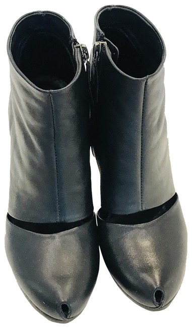 Item - Black Cut Out Ankle Boots/Booties Size US 6 Regular (M, B)