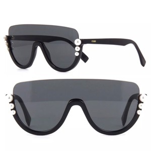 8d5067d586 Women s Sunglasses - Up to 70% off at Tradesy