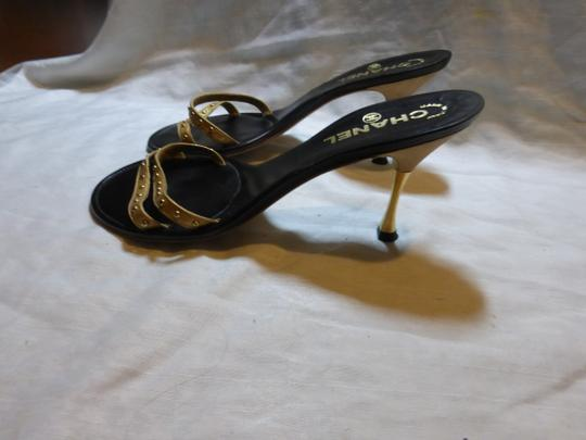 CHANEL GOLD; BLACK Mules Image 7