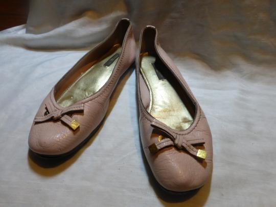 LOUIS VUITTON LIGHT PINK LEATHER Flats Image 1