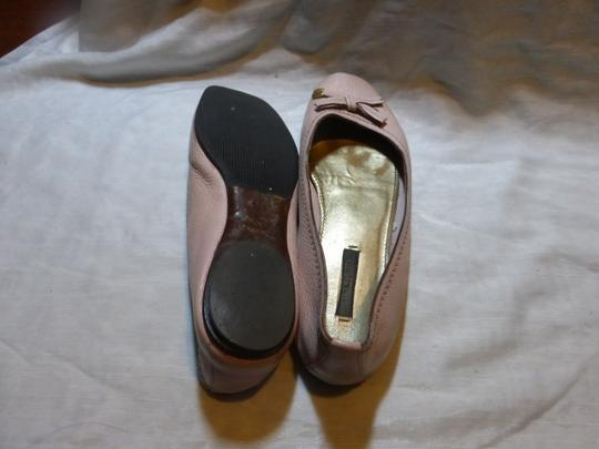 LOUIS VUITTON LIGHT PINK LEATHER Flats Image 7