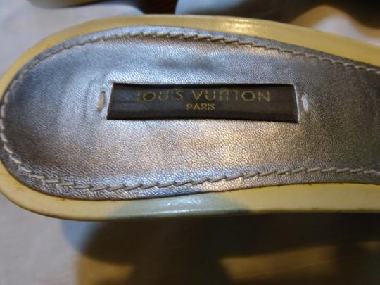 LOUIS VUITTON GREY, WHITE Mules Image 4