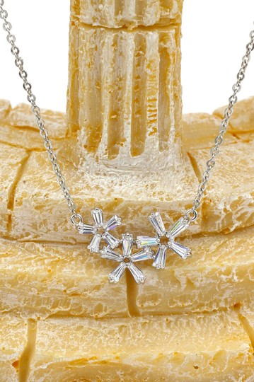 Ocean Fashion Silver Simple flowers crystal necklace earrings set Image 2