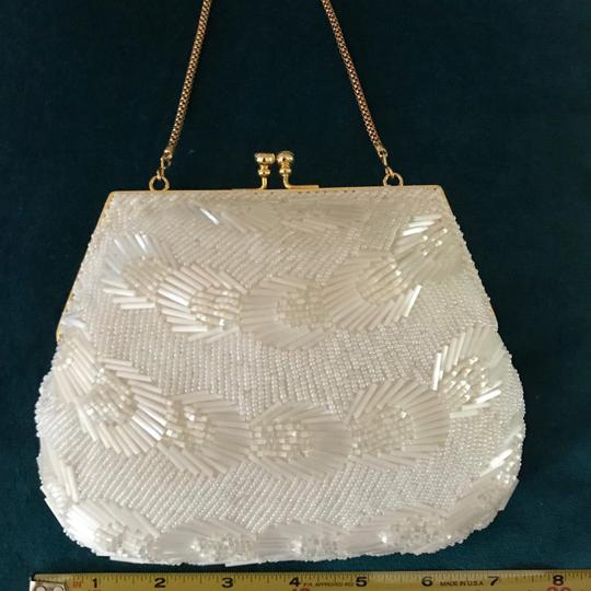 La Regale Vintage Evening Wedding Beaded Wristlet in ivory white Image 1