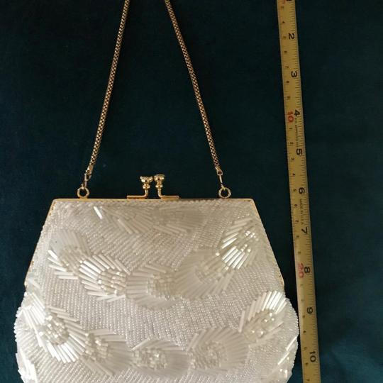 La Regale Vintage Evening Wedding Beaded Wristlet in ivory white Image 2