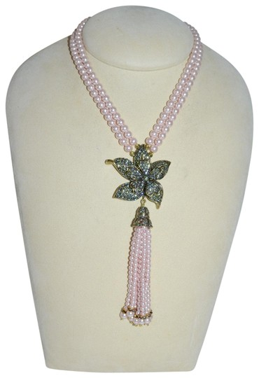 Preload https://img-static.tradesy.com/item/23753354/heidi-daus-pearl-and-black-diamond-crystals-quite-contrary-floral-orchid-2-row-necklace-0-1-540-540.jpg