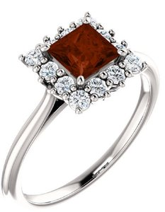 Apples of Gold PRINCESS-CUT SQUARE GARNET AND DIAMOND HALO RING, 14K WHITE GOLD