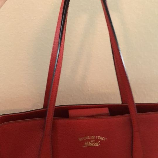 Gucci Tote in red Image 3