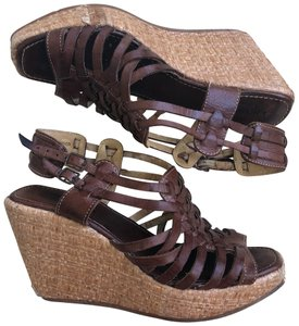 Bed|Stü Brown Wedges