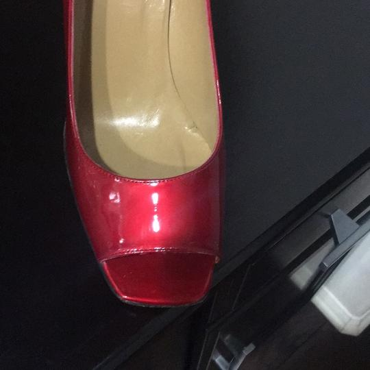 Stuart Weitzman candy apple patent leather red Pumps