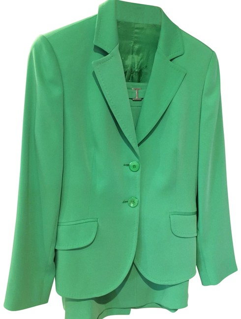 Preload https://item5.tradesy.com/images/burberry-london-green-skirt-suit-size-10-m-23755549-0-1.jpg?width=400&height=650