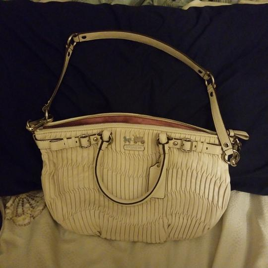 Preload https://item3.tradesy.com/images/coach-madison-sophia-white-leather-tote-23755762-0-1.jpg?width=440&height=440