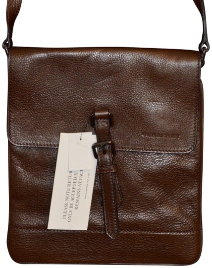 Preload https://item1.tradesy.com/images/burberry-london-textured-brown-leather-cross-body-bag-23755795-0-1.jpg?width=440&height=440