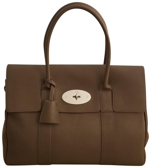 Preload https://item4.tradesy.com/images/mulberry-heritage-bayswater-taupe-small-classic-grain-leather-tote-23755878-0-1.jpg?width=440&height=440