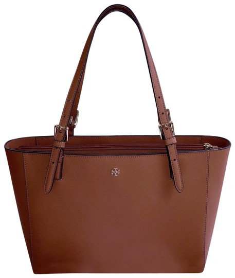 Preload https://img-static.tradesy.com/item/23755883/tory-burch-buckle-tote-tan-saffiano-satchel-0-3-540-540.jpg