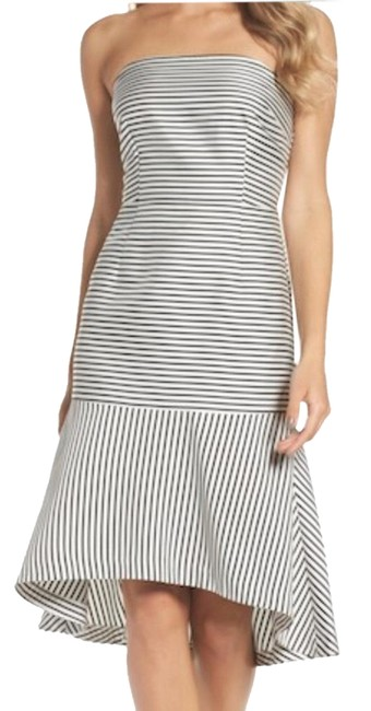 Preload https://img-static.tradesy.com/item/23756086/chelsea28-black-and-white-stripe-mid-length-cocktail-dress-size-2-xs-0-1-650-650.jpg