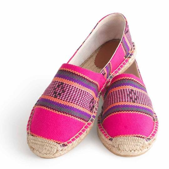 Preload https://img-static.tradesy.com/item/23756135/jcrew-hot-pink-printed-espadrilles-flats-size-us-7-regular-m-b-0-0-540-540.jpg